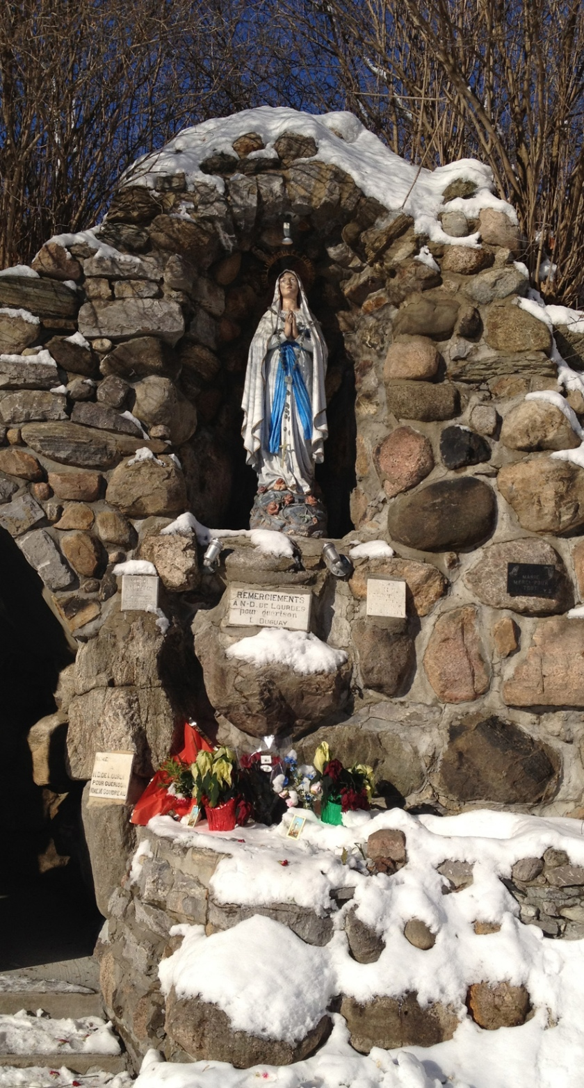 Statue of Mary at the Notre Dame de Lourdes grotto