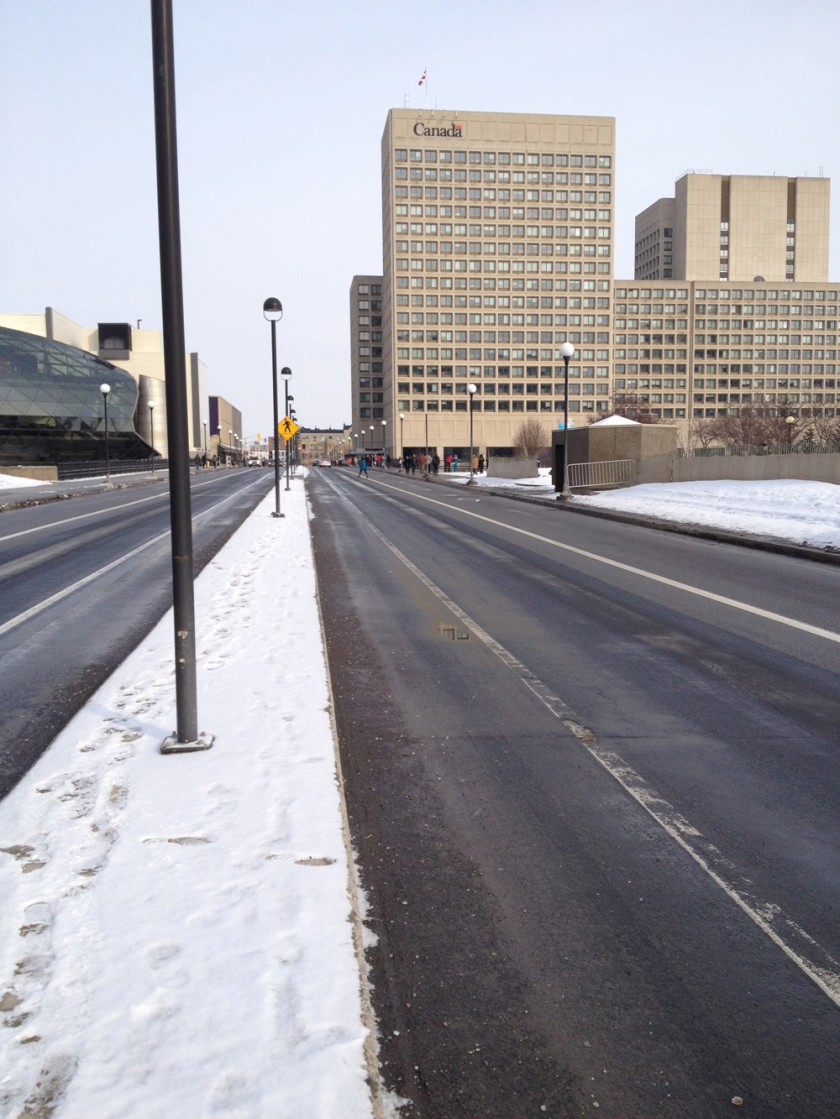 Bike lanes along Mackenzie King Bridge