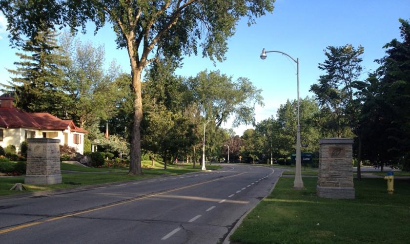 Bike lanes along Island Park Drive