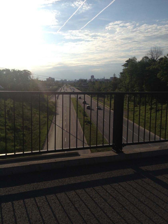 Heading over Boulevard des Allumettières