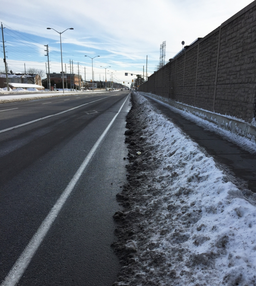 Woodroffe bike lane heading south between Knoxdale and Huntclub