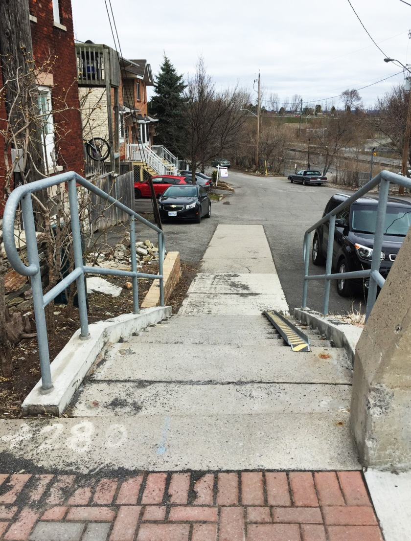 Stairs from Somerset to Breezehill Ave N