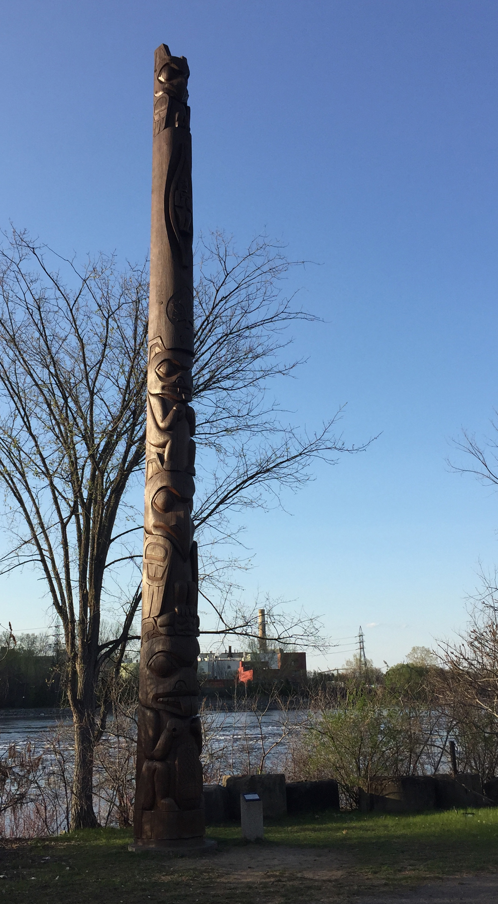 Totem sculpted by Walter Harris