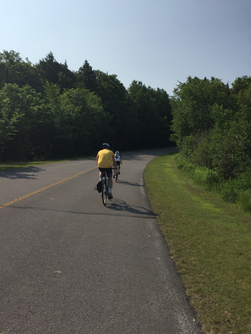 Riding along the carless Gatineau Parkway