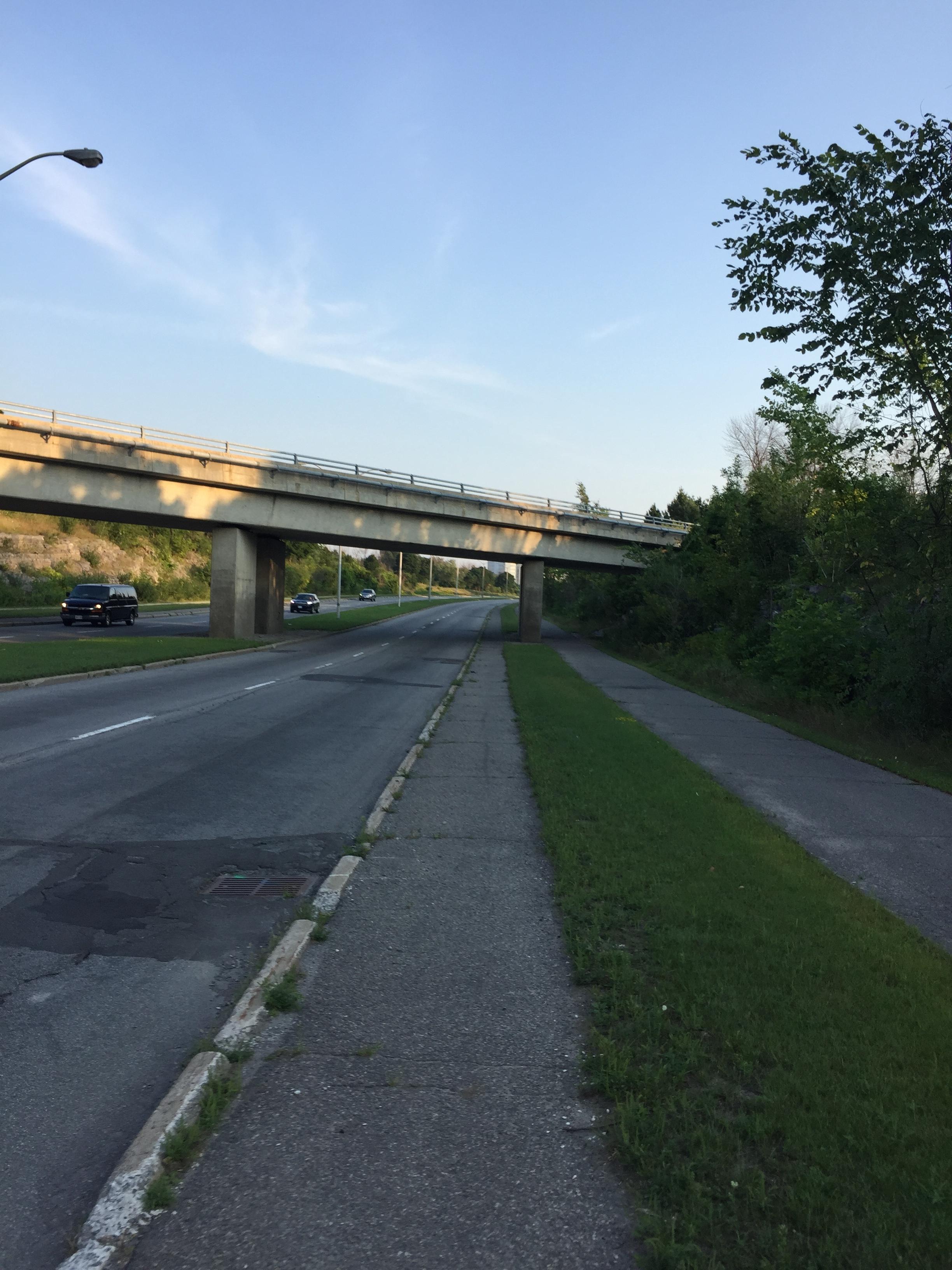 Paved shoulder along Riverside Drive