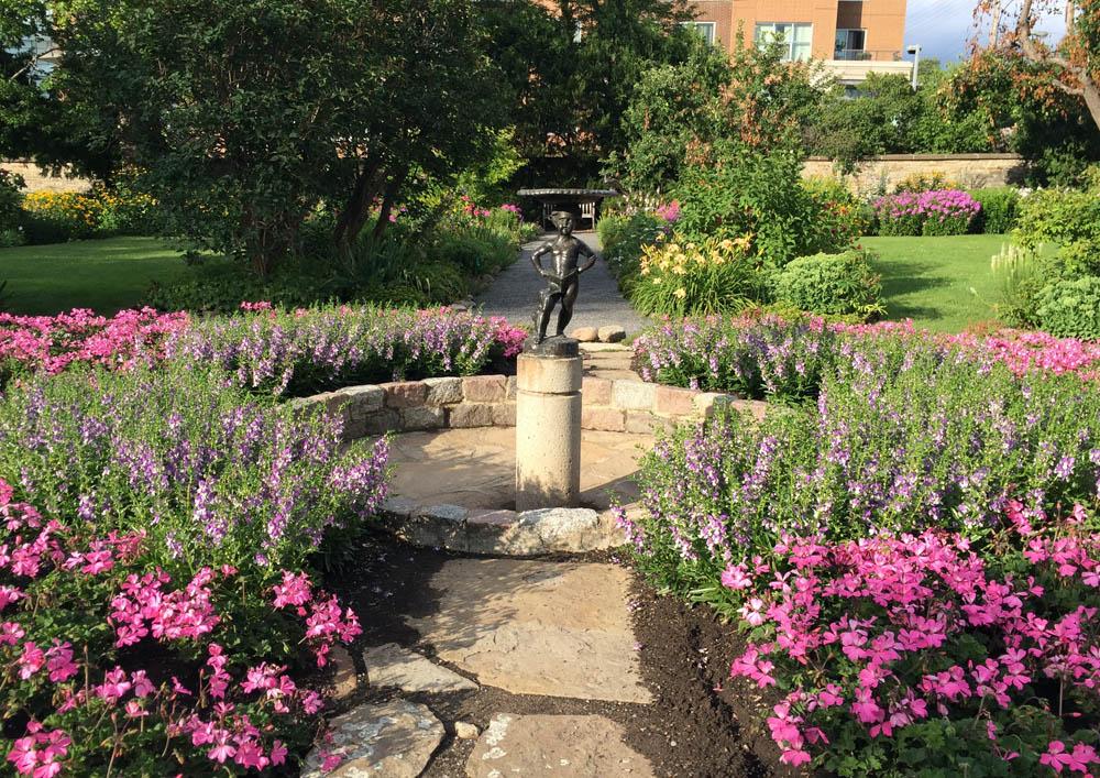 Maple lawn Garden